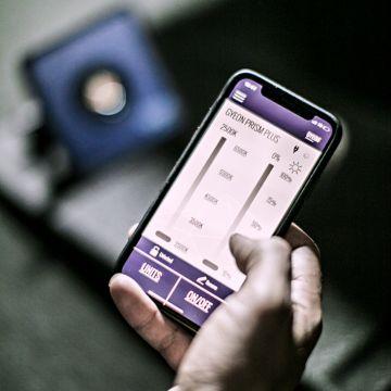 Gyeon Q2M Prism Plus, ohjaus kännykällä